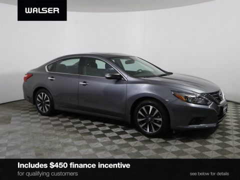 Certified Pre-Owned 2016 Nissan Altima SL TECH NAV MOON