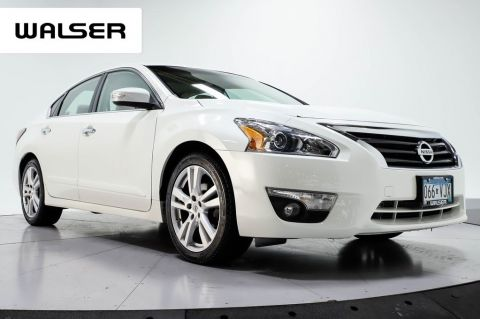 Pre-Owned 2014 Nissan Altima 3.5 SL TECH